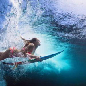 Surfer Dive